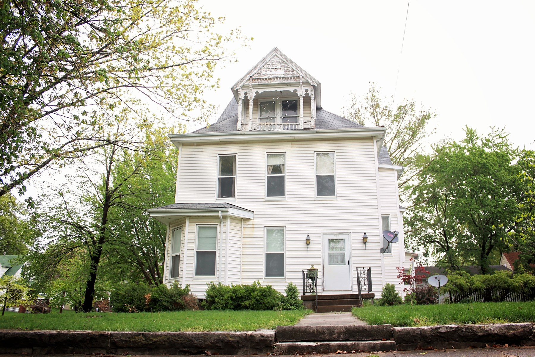 Large Historic Home On A Corner Lot, For Sale, Chillicothe