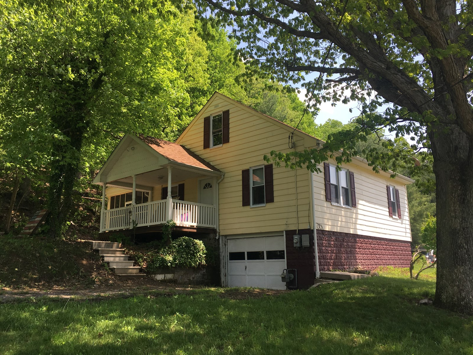 Updated Single Family Home, Cresaptown MD