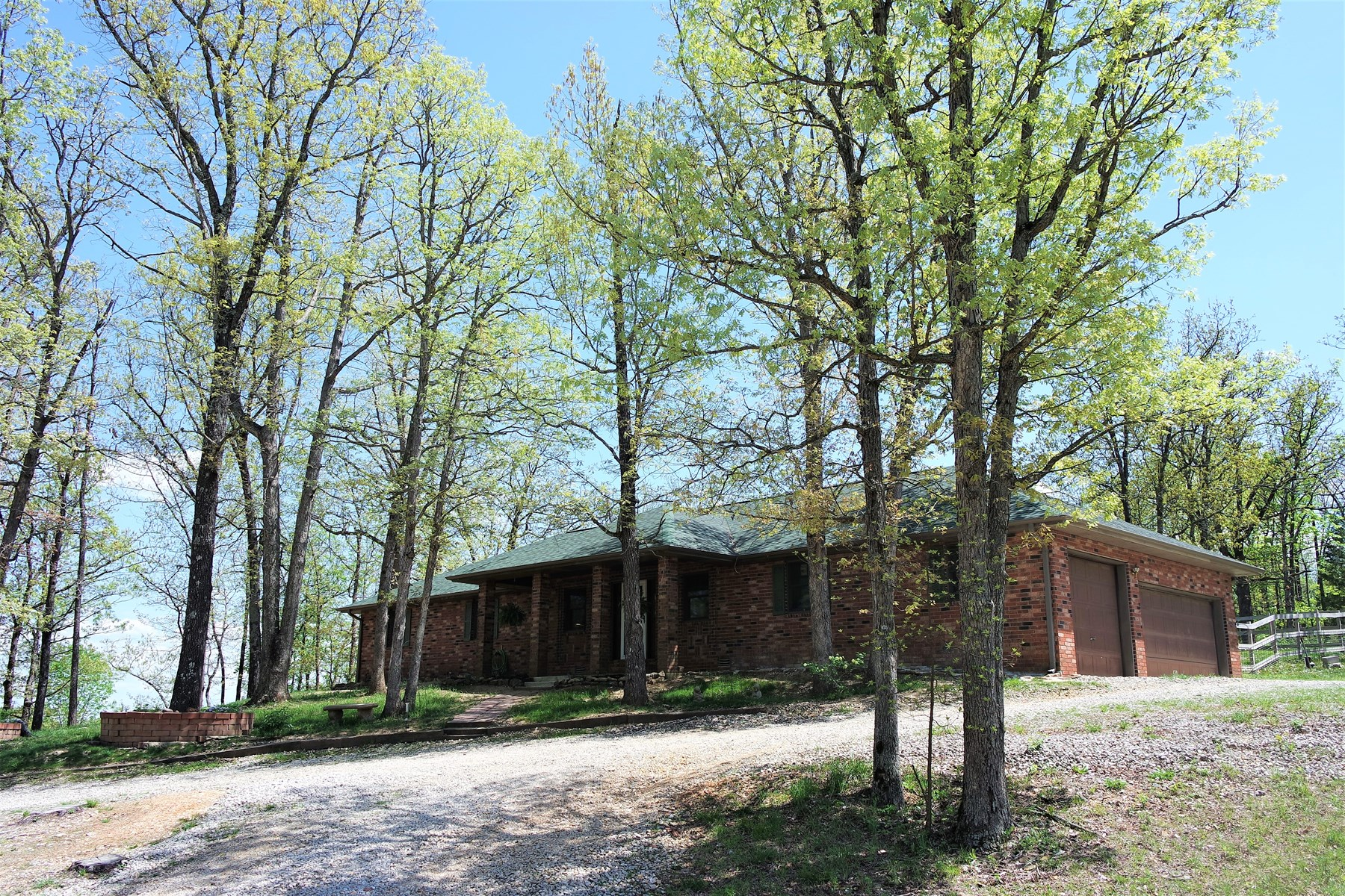 Brick Home For Sale on Acreage near Mountain Grove, Missouri