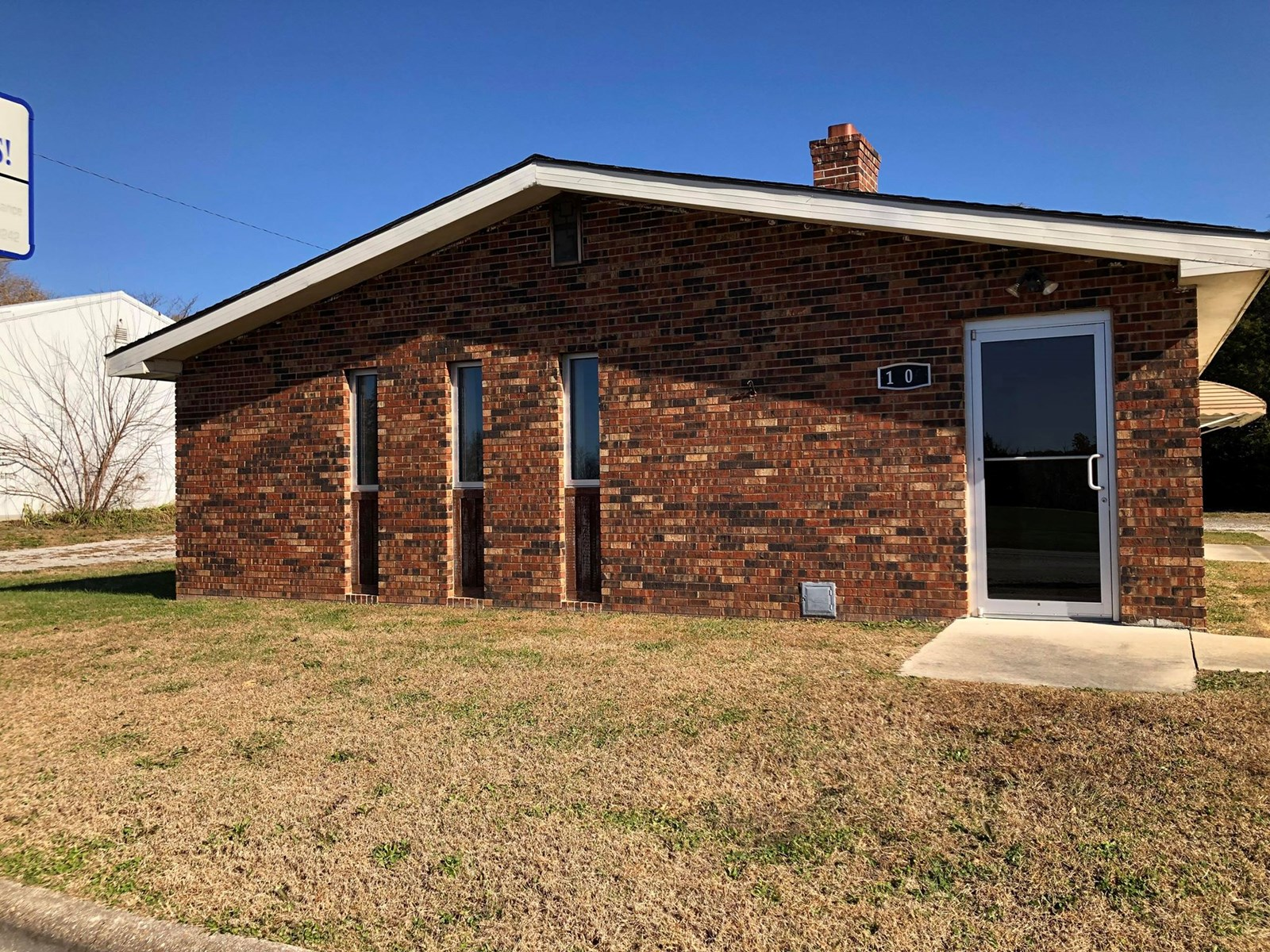 Ava, Mo Commercial building for sale.