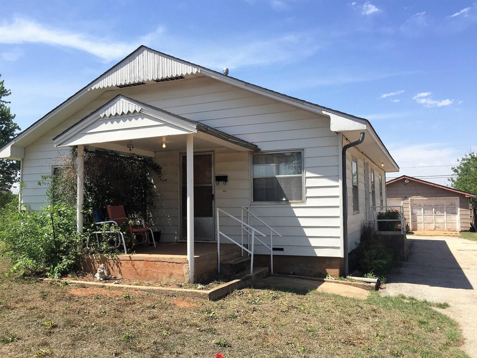 Clinton, OK 73601 House for Sale, Custer County