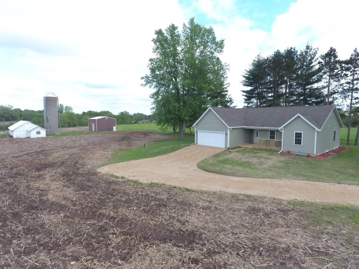 Country Home with acreage Oxford, Marquette County, WI
