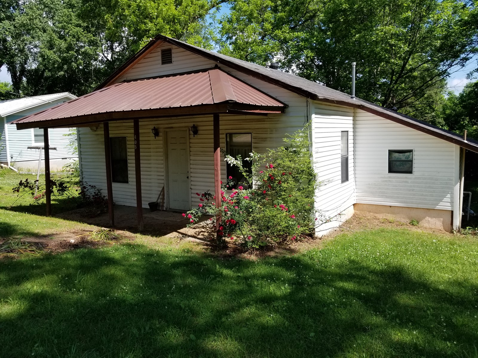 Bungalow fixer upper in the Ozarks