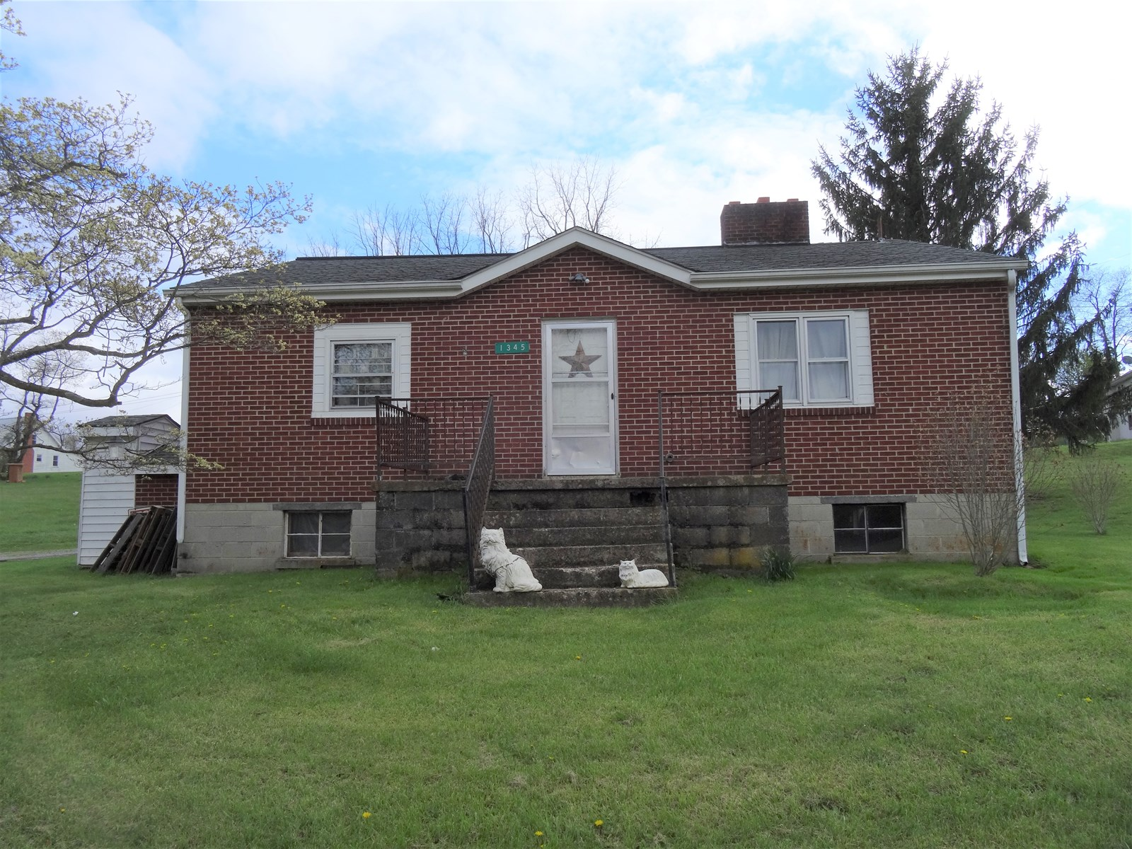 Well built home in Town of Wytheville with country setting.