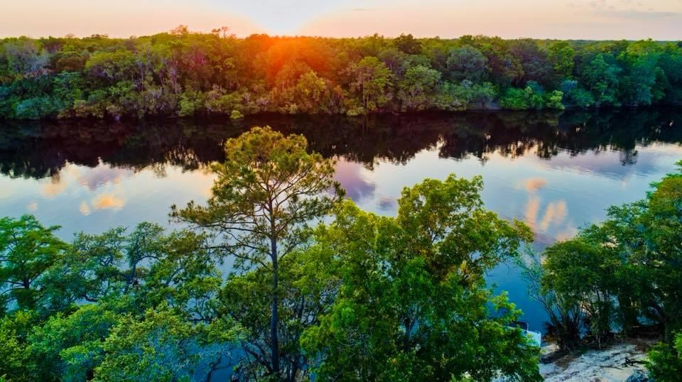 ENJOY THE SUWANNEE RIVER  - Bell, Florida