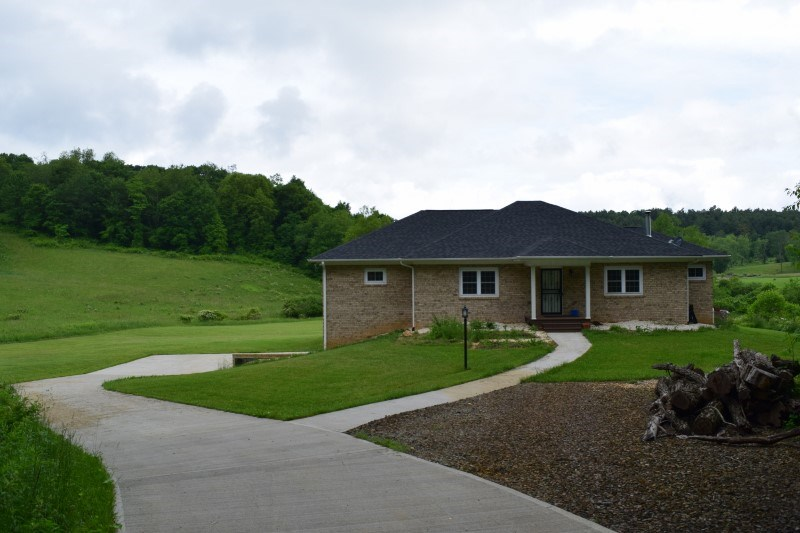 Custom Home and Acreage for Sale in Floyd VA!