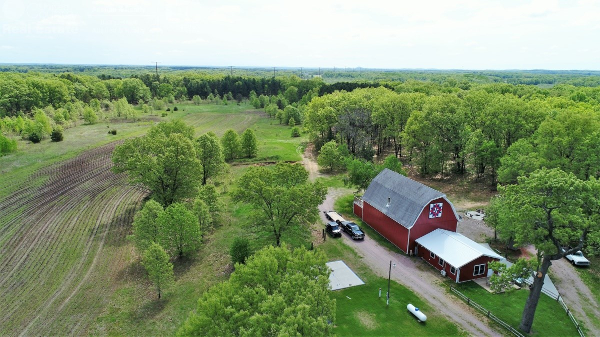 Hunting Property with Refinished Barn for Hunting Lodge