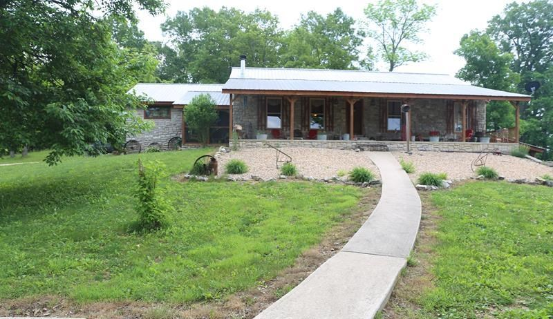 Missouri Ozarks Home for Sale, 5 Acres, Near Rivers & Lakes