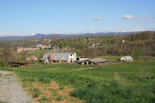 HOME WITH 27.54 ACRES LOCATED IN PATRICK COUNTY, VIRGINIA