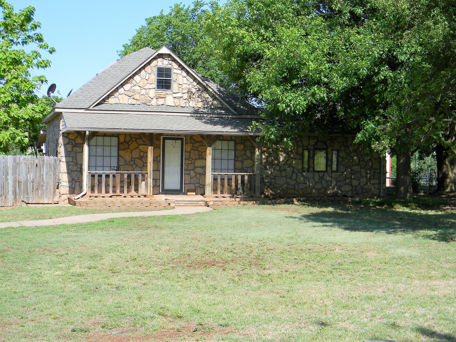 House w/ Acreage for Sale, Arapaho, OK 73620, Custer County