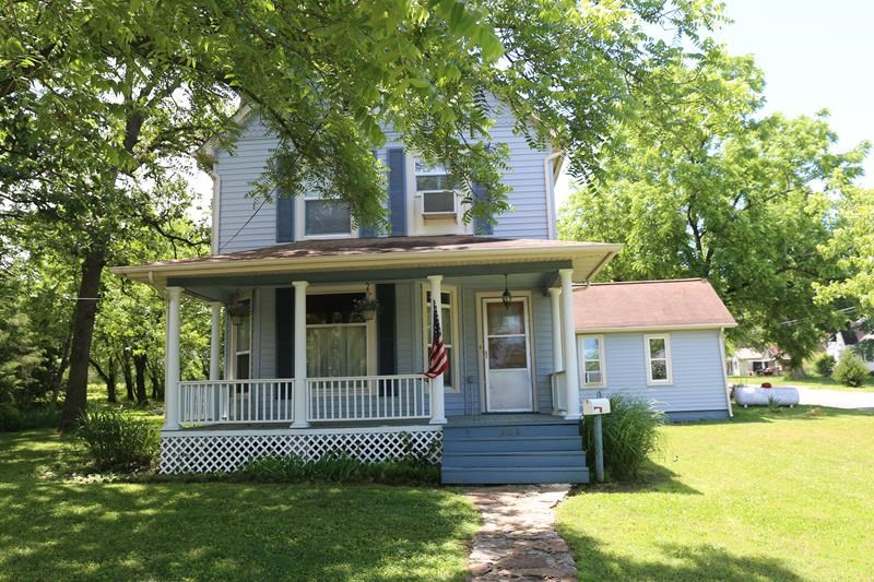 Missouri Ozarks Victorian home in historic West Plains