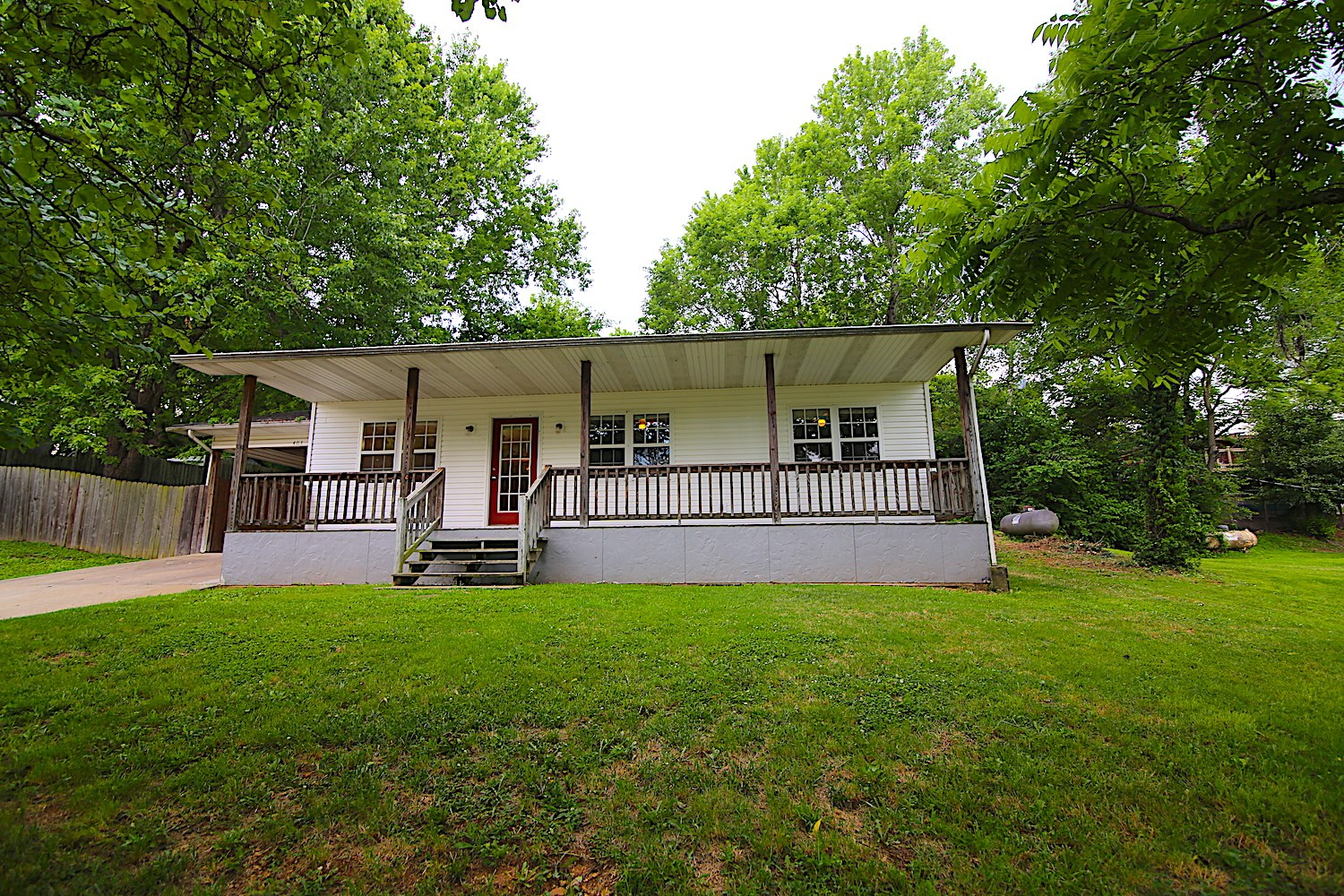 Home for sale in Thayer MO