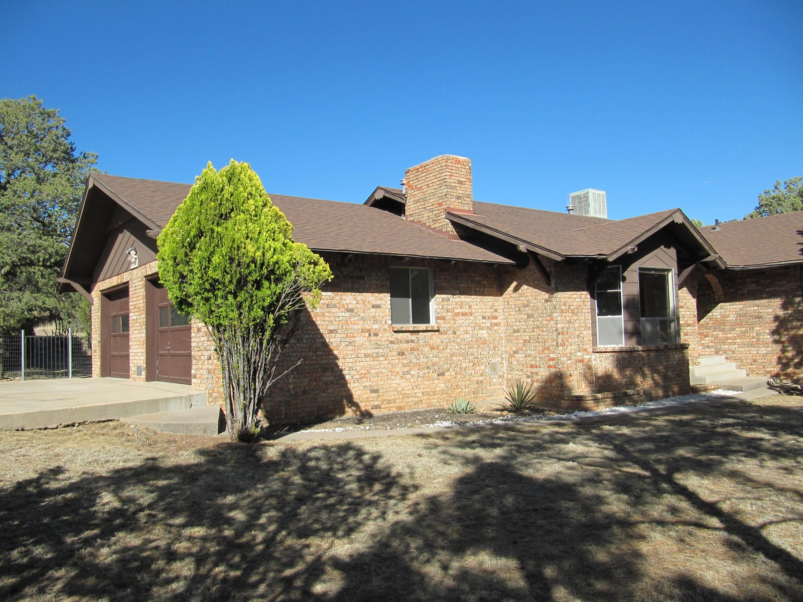 SPACIOUS SILVER CITY CLASSIC HOME WITH RURAL SETTING