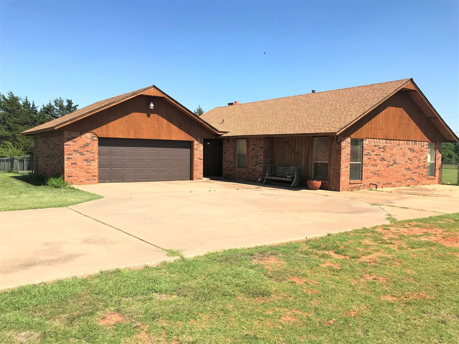 Clinton, OK House for Sale, 73601 - Country Home