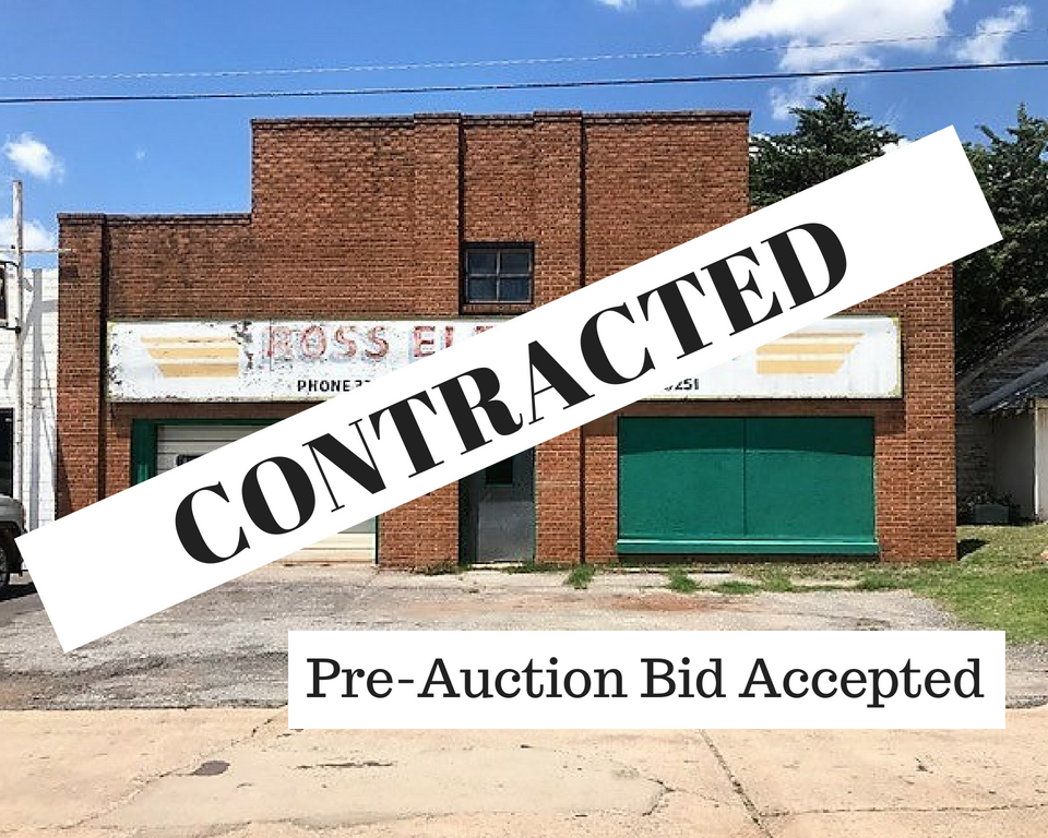 Commercial Building and Contents for Sale, Clinton, OK 73601