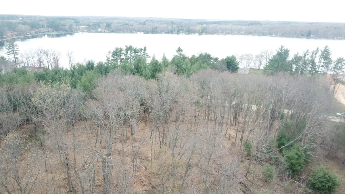Beautiful wooded building site with view of Jordan Lake