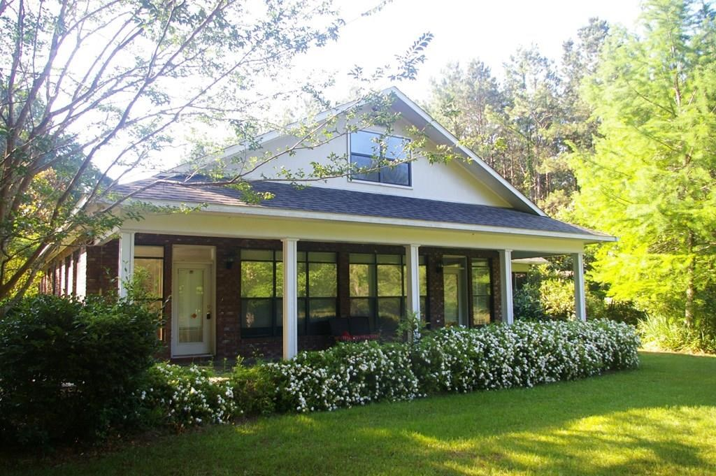 House & 1.36 Acres SW MS