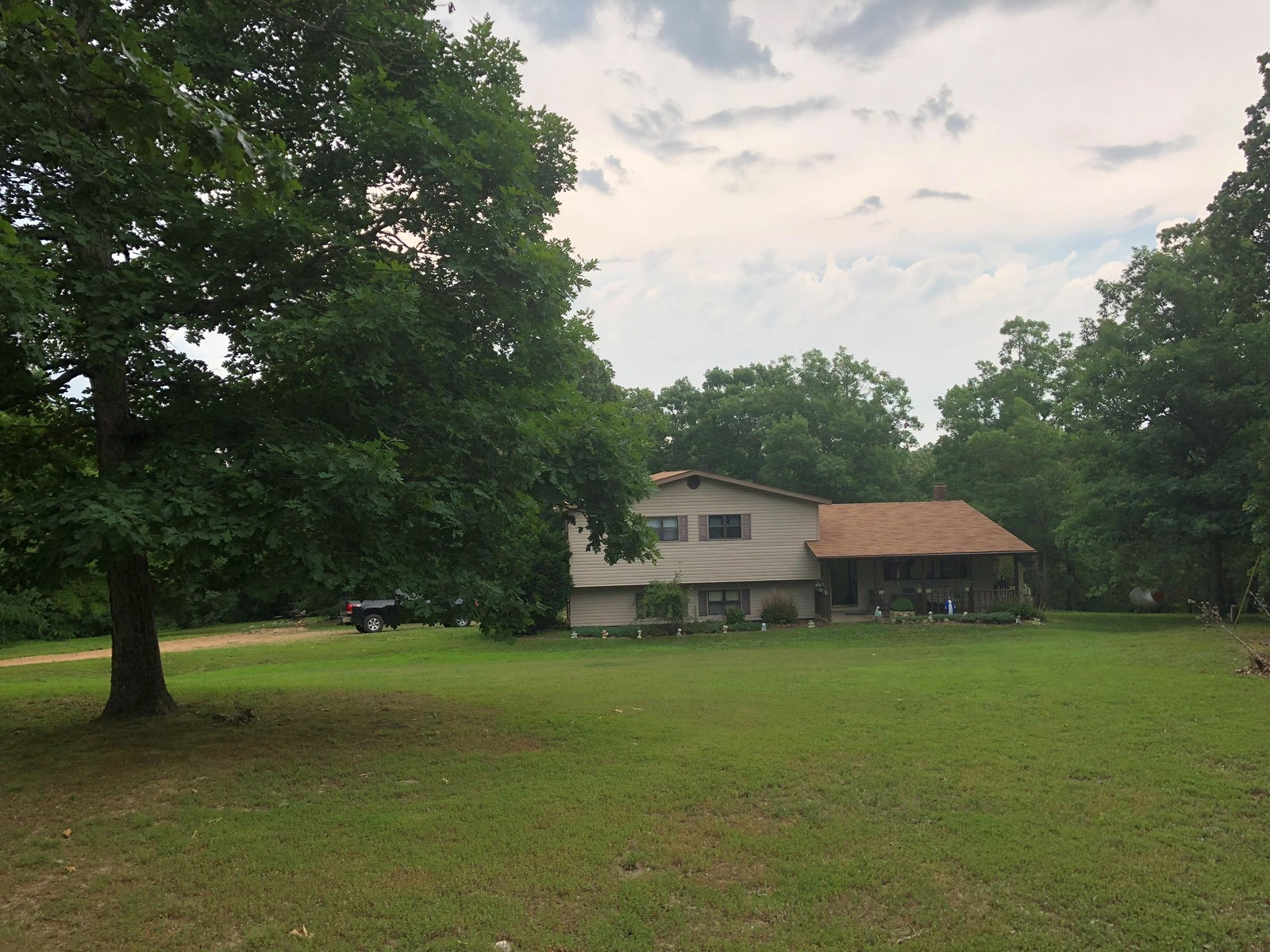 Country Home for Sale in Glen Allen, Missouri