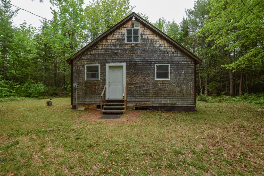 Maine Country Cabin for Sale in Orneville