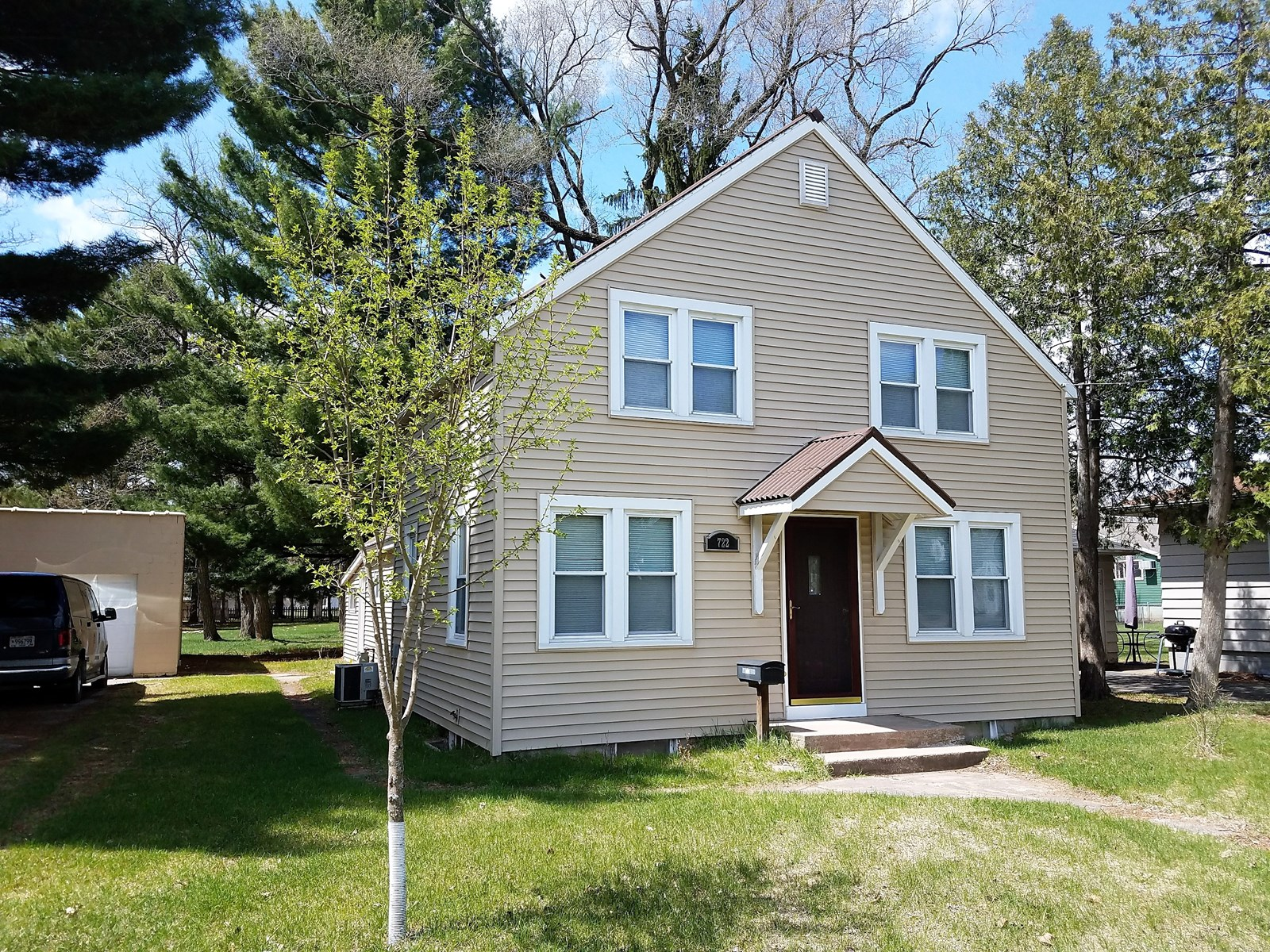 Home for Sale in the Heart of  Waupaca WI