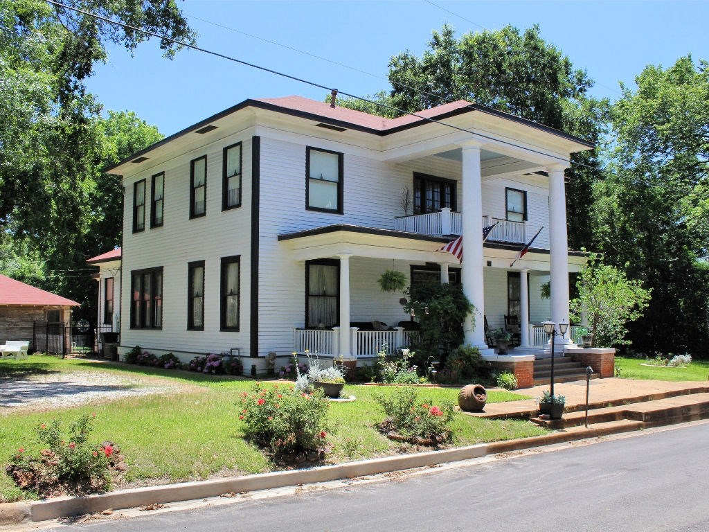GEORGIAN COLONIAL HISTORIC HOME FOR SALE EAST TEXAS