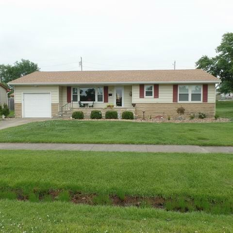 3 Bedroom Ranch Show Place
