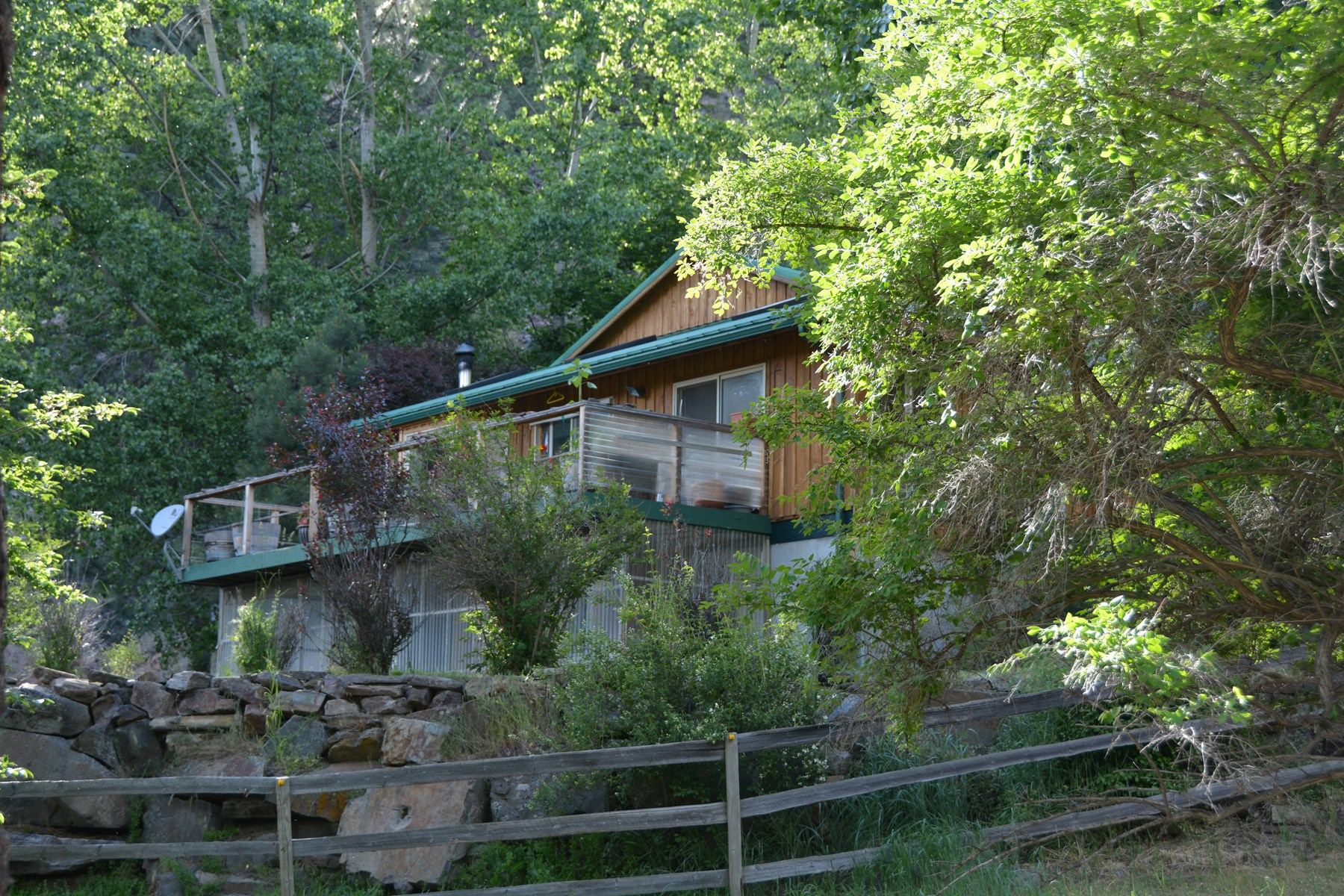 SUSTAINABLE HOME WITH ACREAGE