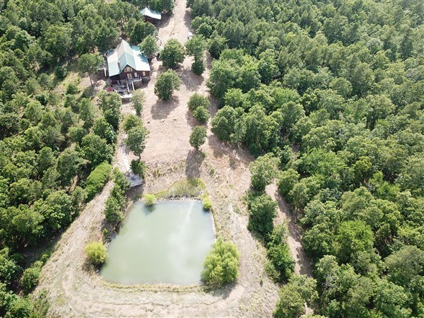 SE OKLAHOMA HUNTING LAND FOR SALE  LOG CABIN TALIHINA