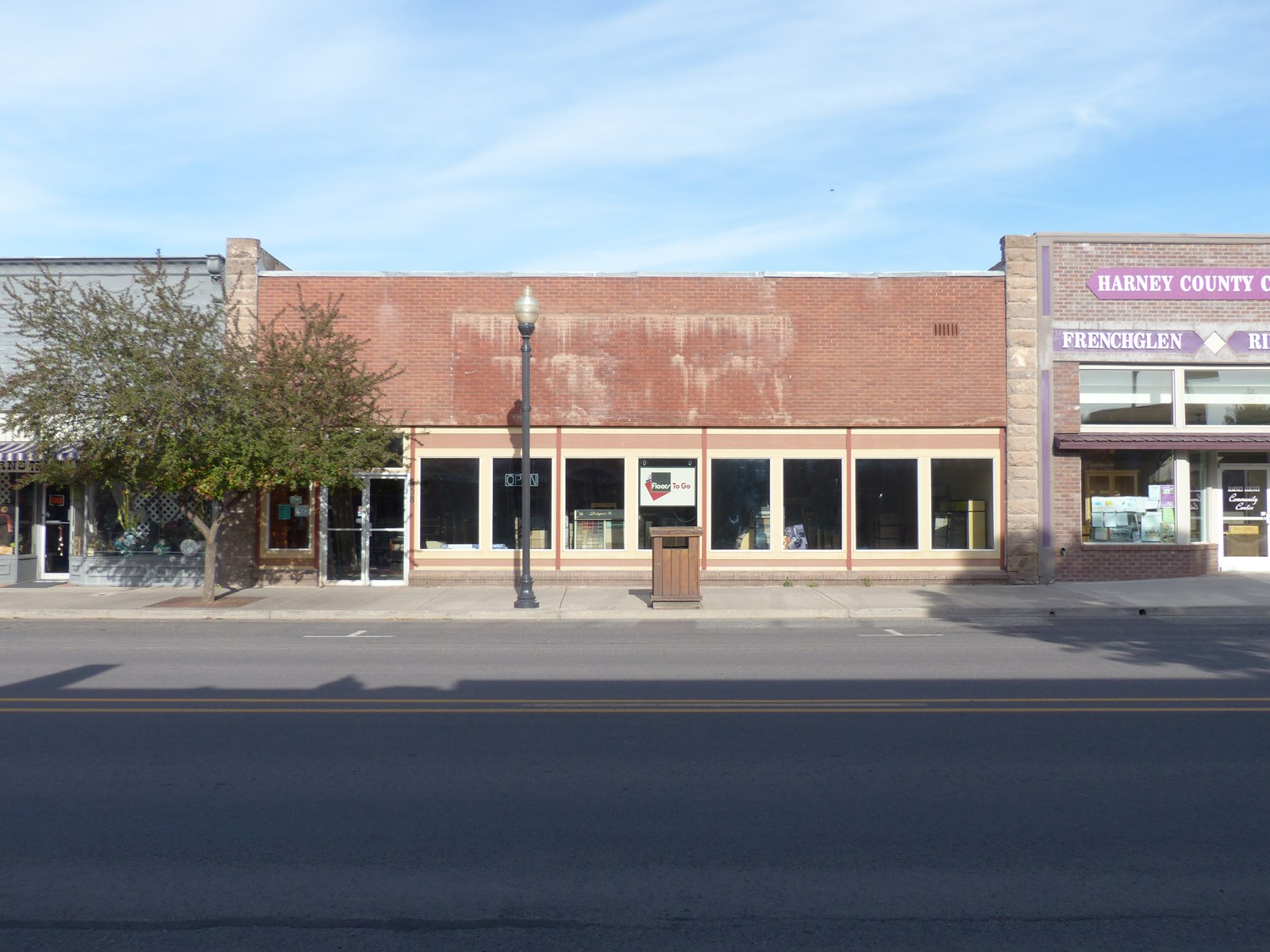 COMMERCIAL BUILDING IN DOWNTOWN BURNS FOR SALE