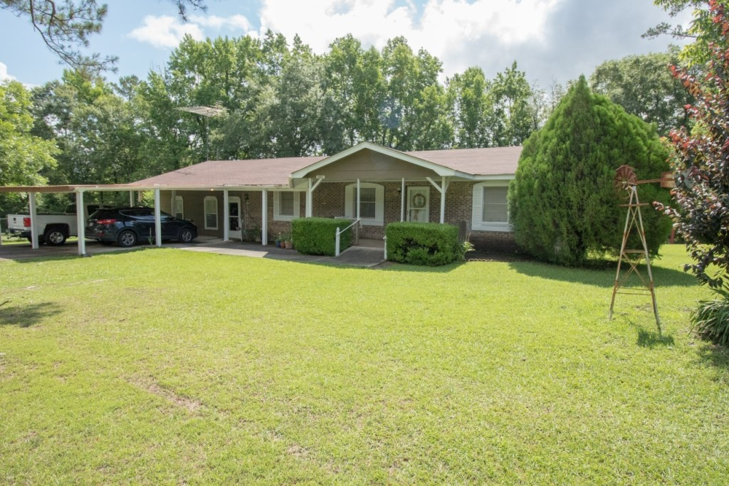 3B/3B BRICK HOME FOR SALE SLOCOMB, ALABAMA ST. HWY. FRONTAGE