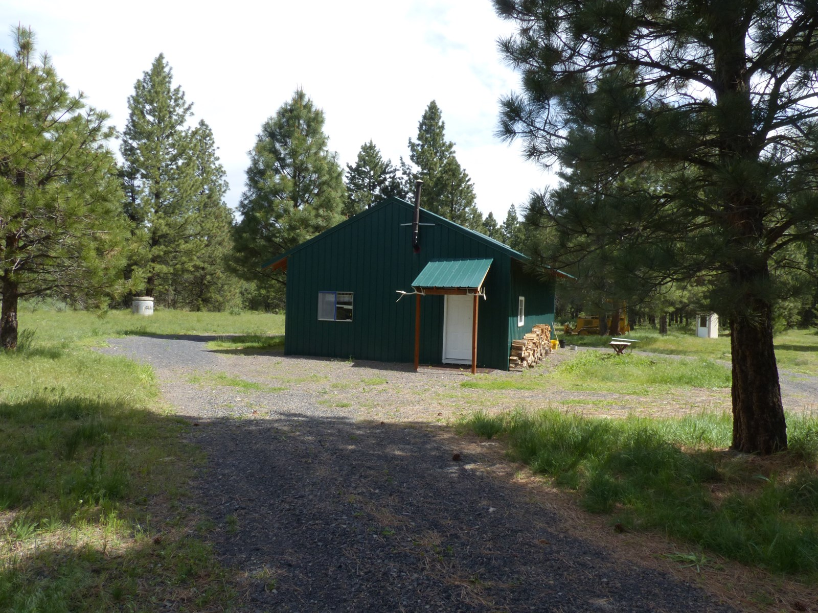 HUNTERS CABIN FOR SALE - KING MOUNTAIN - MALHEUR FOREST