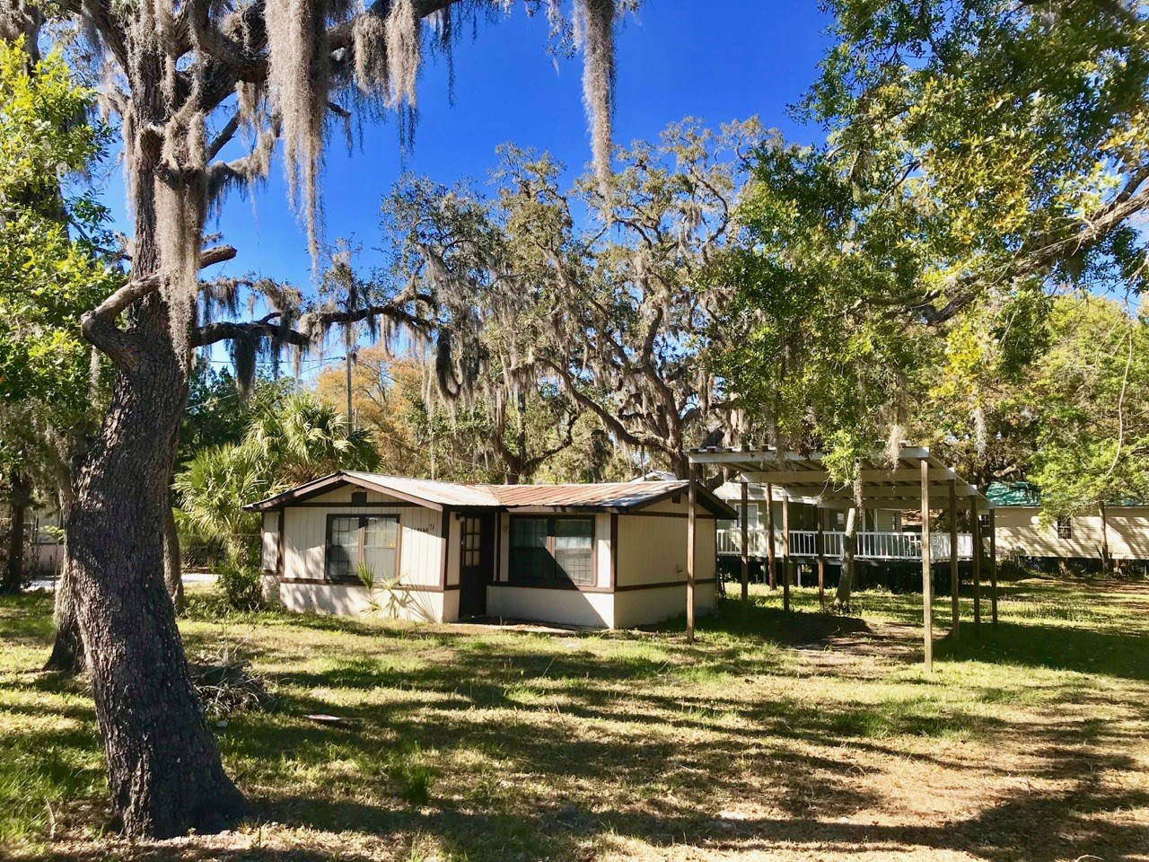 WEEKEND RETREAT IN SUWANNEE,FLORIDA