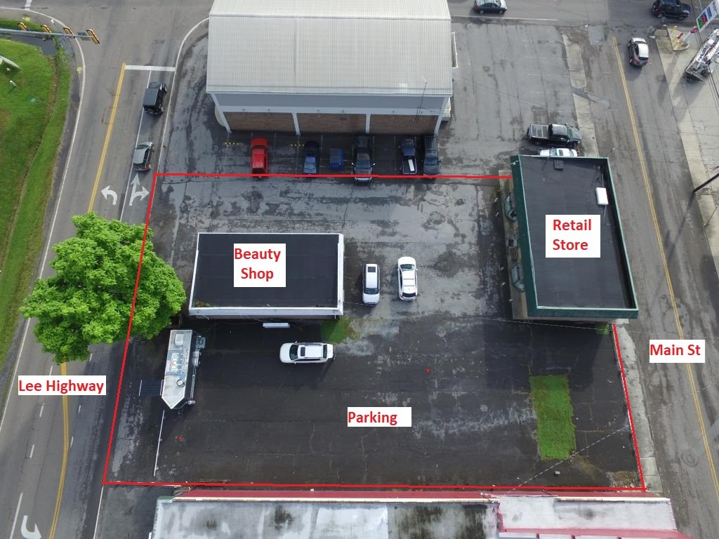 Multiple Retail buildings with parking in Chilhowie, VA
