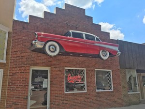 BUSINESS FOR SALE IN SOUTHERN IOWA LOCATED DOWNTOWN