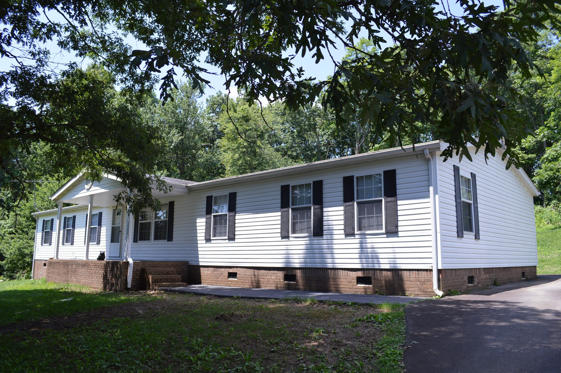 Extremely Nice Double-Wide Manufactured Home in Ennice NC