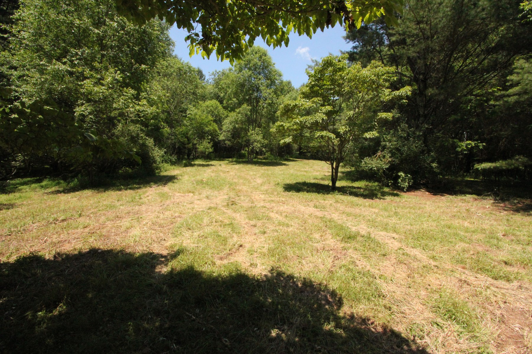 Unrestricted, Buildable Land Tract in Grayson County VA.