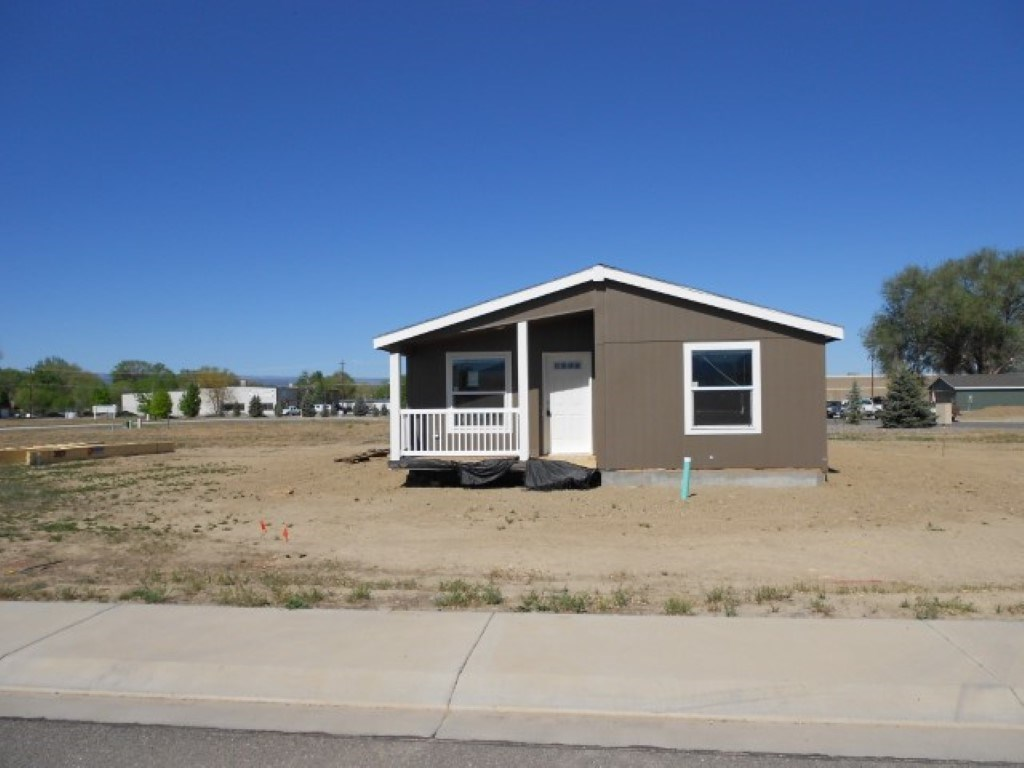 New Home In Newer Subdivision For Sale Montrose Colorado