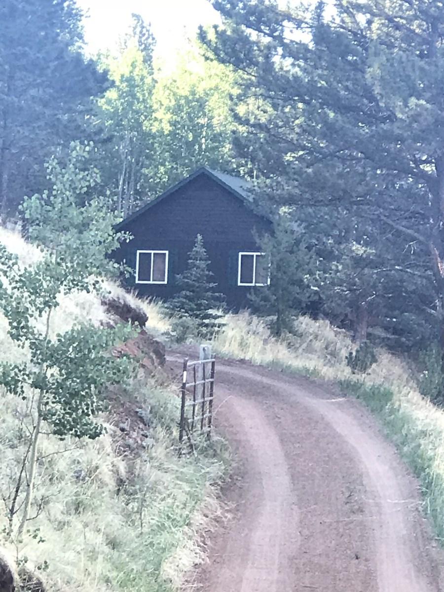 Adorable Colorado Mountain Cabin For Sale