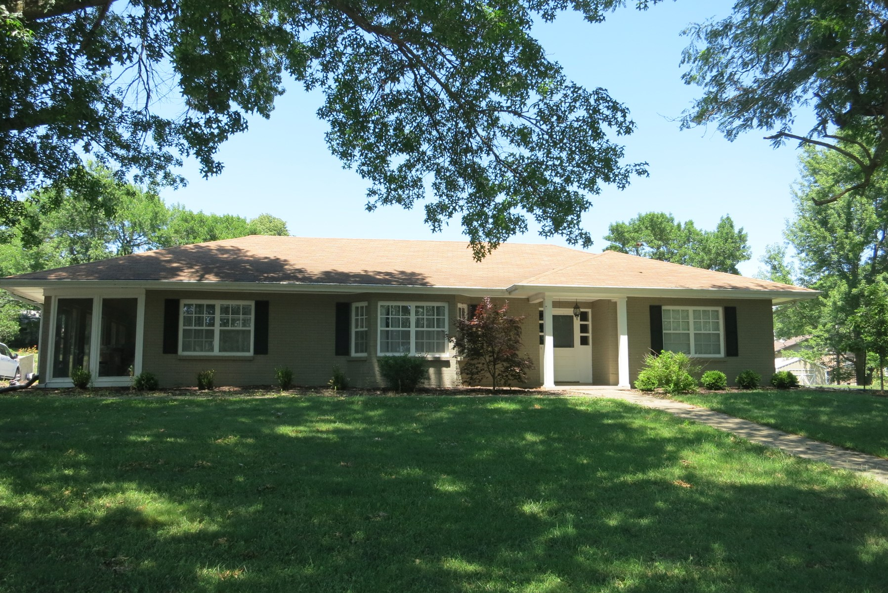 Very Nice Large Ranch Home For Sale in Bethany Missouri