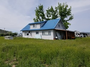 2-STORY COUNTRY HOME: 1,110 SQ. FT. 4 BDR/1.5 BTH, GARAGE, 2