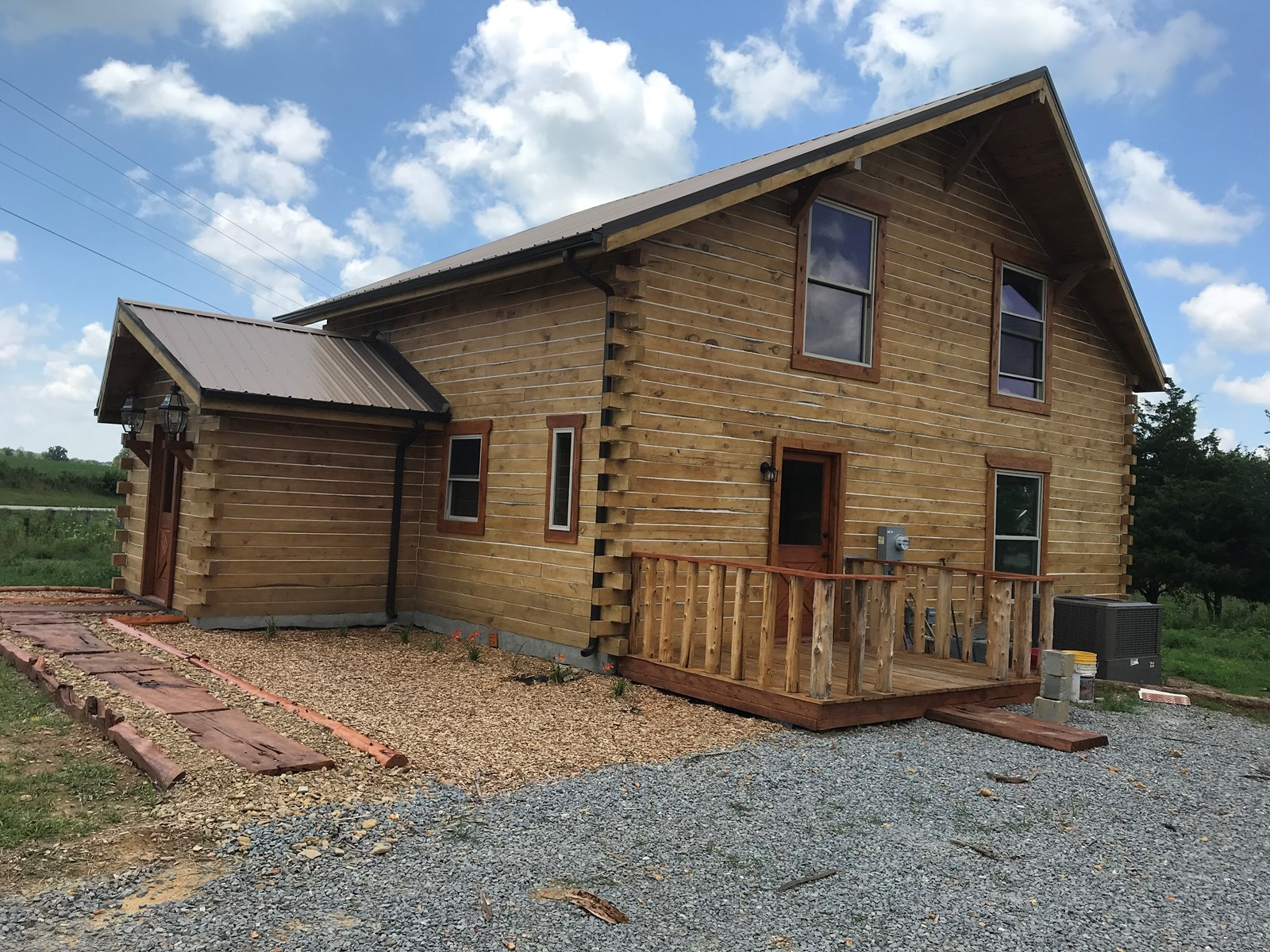 Log Home, 3 Bedroom, 2 Acres, Metcalfe County