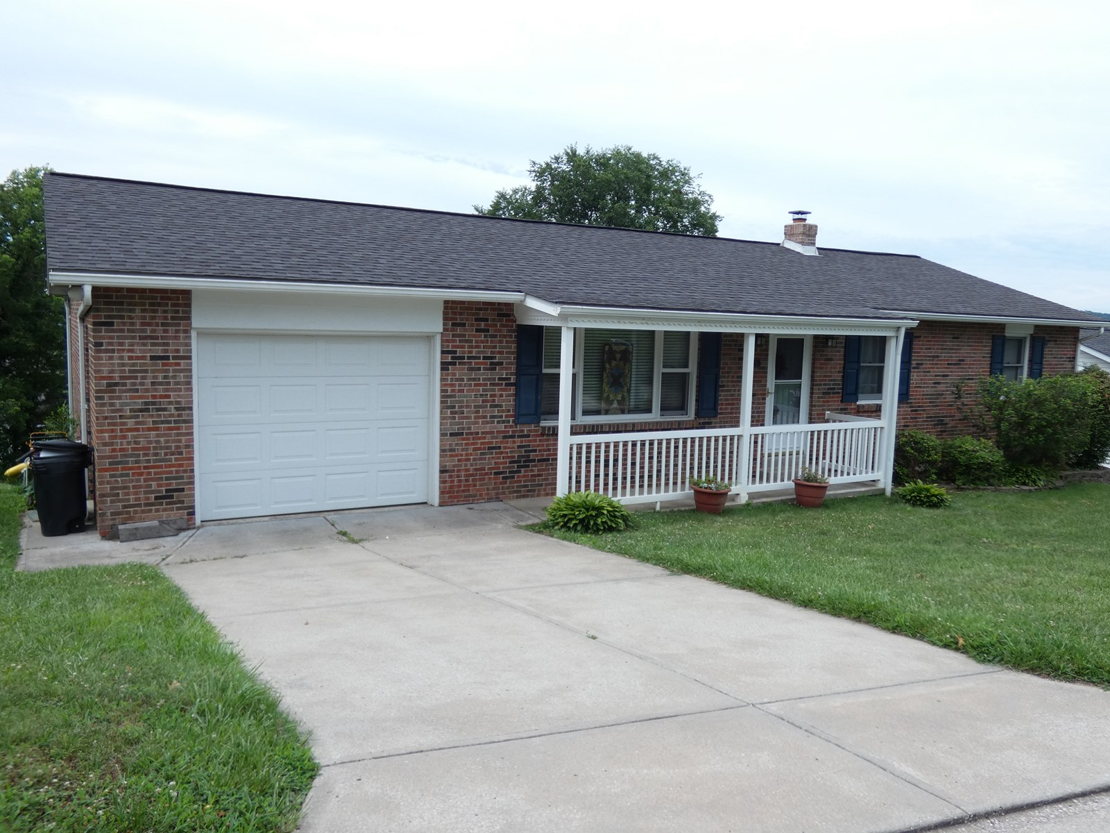 Home w/ Full Walkout Basement For Sale in Hermann, MO