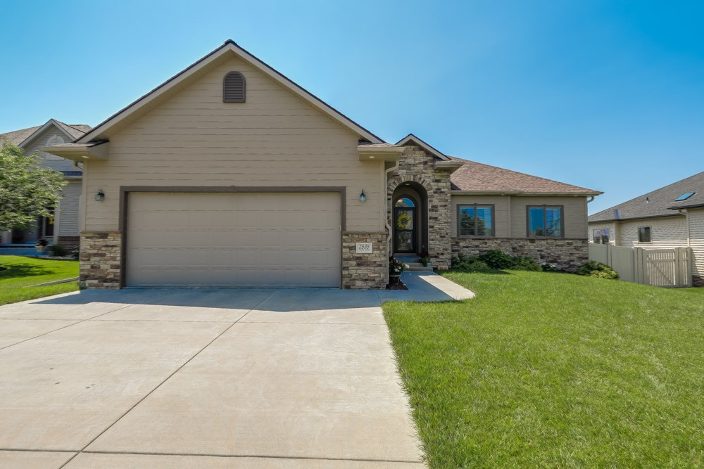 5 Bedroom Ranch home for sale in South Lincoln