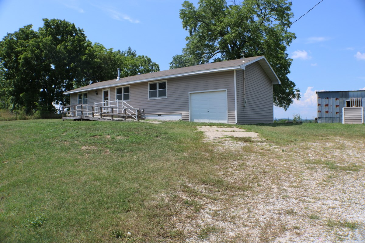 House in the Country for sale, Ava, Mo