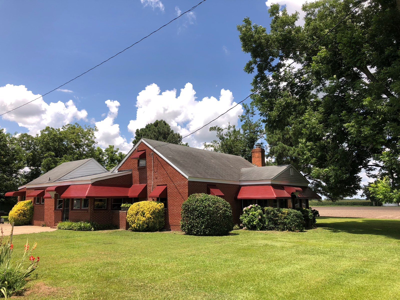 3 Bedroom-2 Bath on 4 Acres just outside the city limits