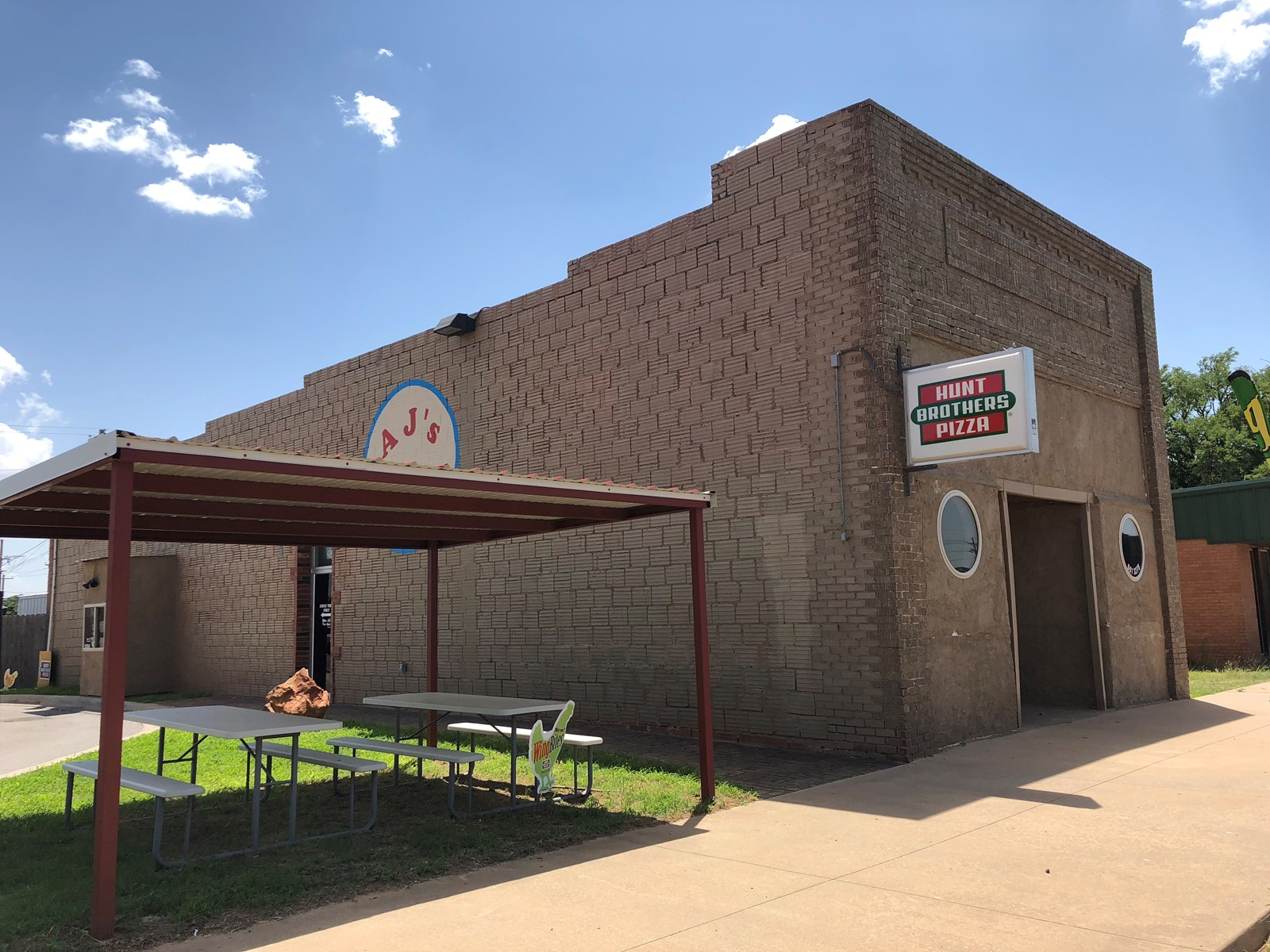 FOR SALE Commercial Building/Restaurant, Custer CO, Thomas