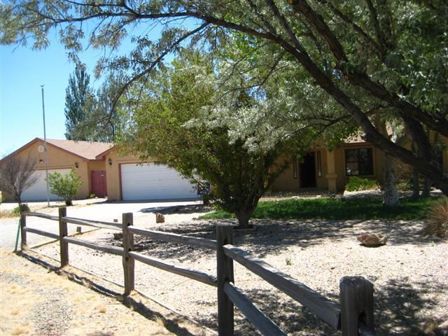 Country Home Family For Sale Near Moriarty NM on 1.13 Acres
