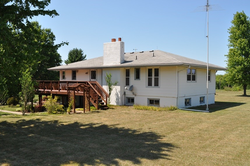 Raised Ranch Home on 40 Acres, Outbuildings, Just off 71 Hwy