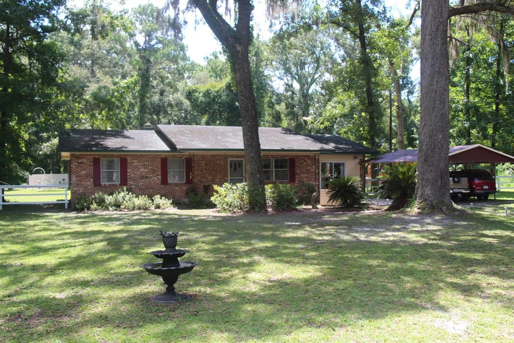 GREAT HOME NEAR GOLF COURSE - Chiefland, Florida