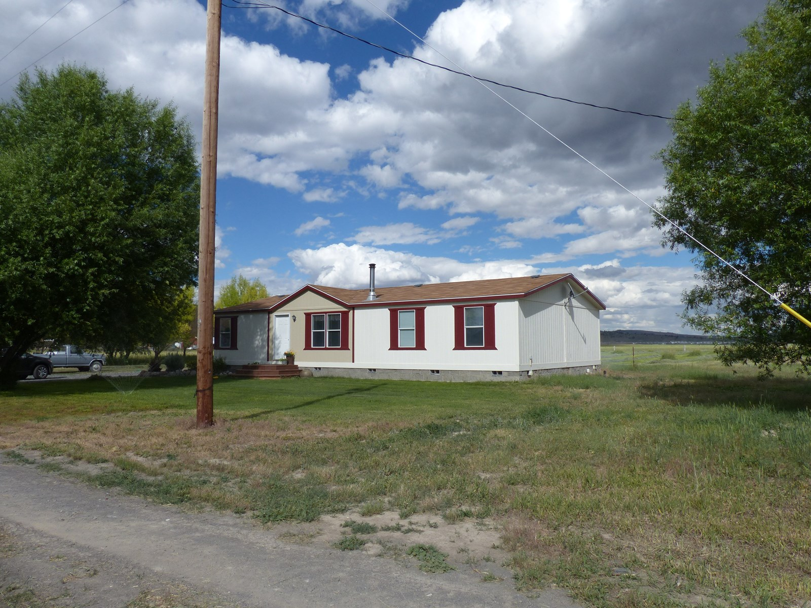 HOUSE FOR SALE IN CRANE OR ON 2 ACRES
